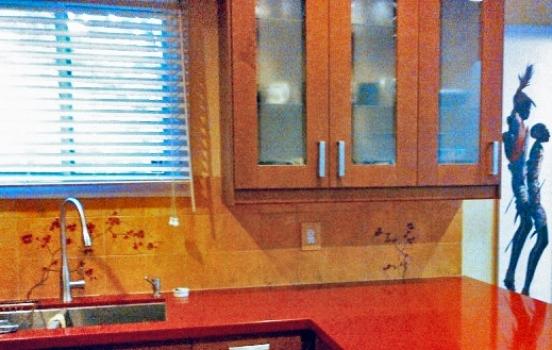 <h5>Custom Kitchen</h5><p>Hand-painted backsplash.</p>
